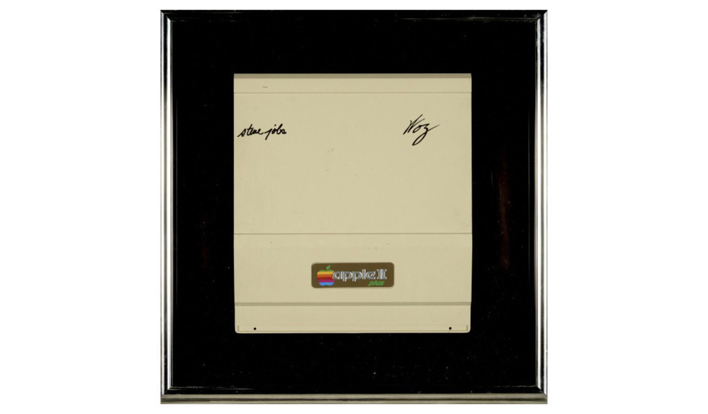 Apple item signed by Wozniak, Jobs goes up on Auction