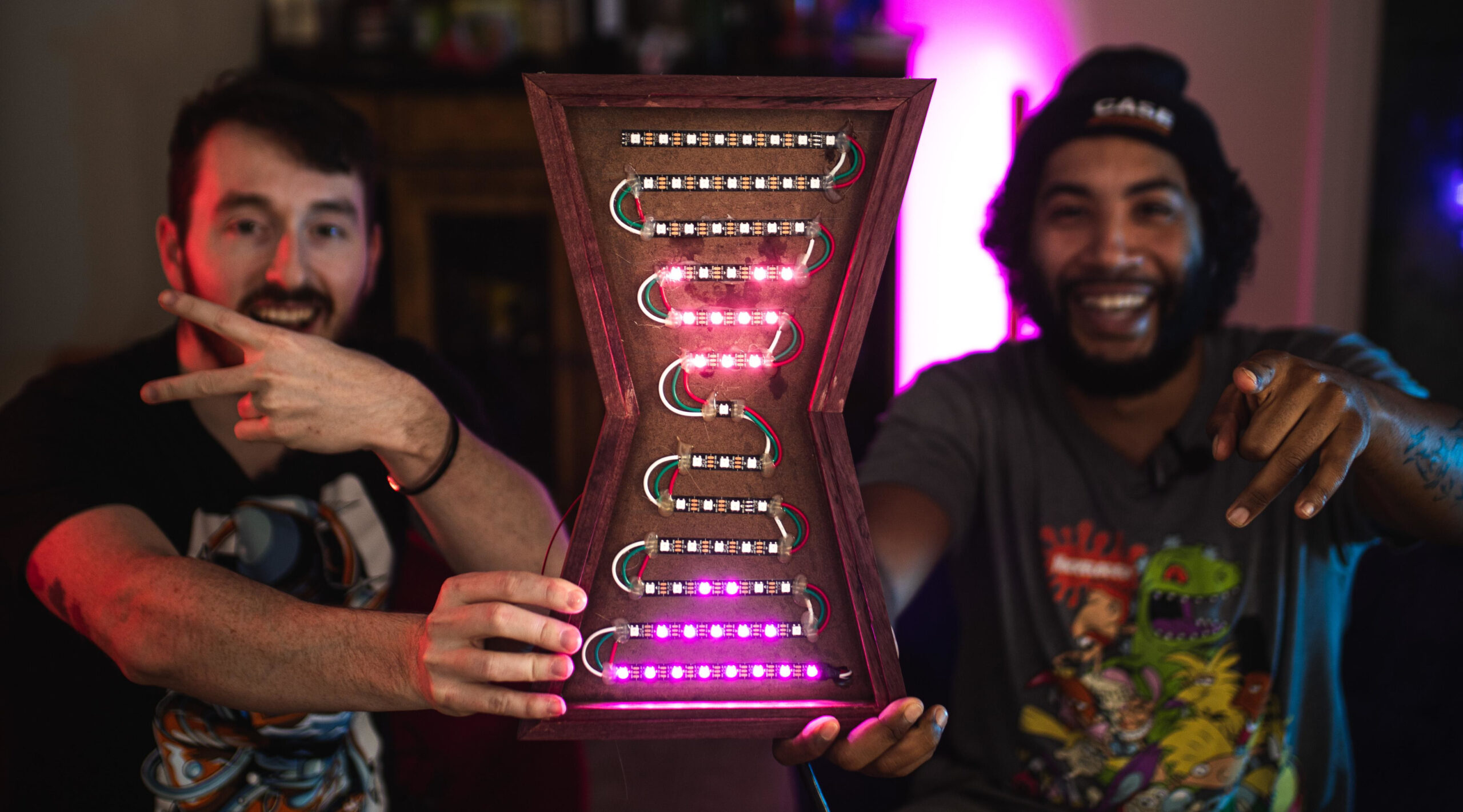LED Hourglass Moves Like The Real Thing