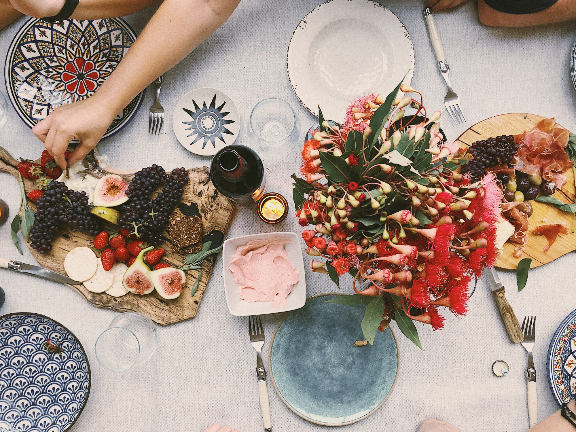 5 Summer Entertaining Essentials You'll Need in Your Home in 2020