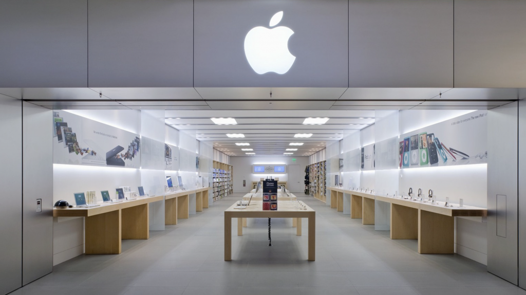 Apple MacArthur Center closing amid mall safety issues