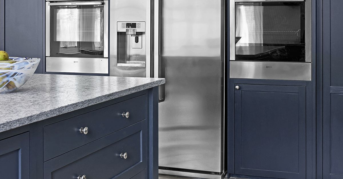 Painting Kitchen Cabinets in 9 Steps