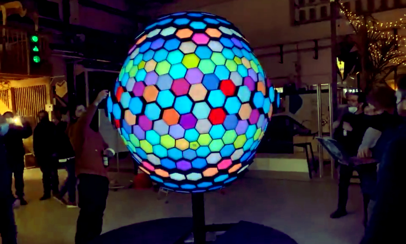 """""""MORPH"""" LED Ball Is A There-Is-No-Spoon, Reality-Bending Art Installation"""
