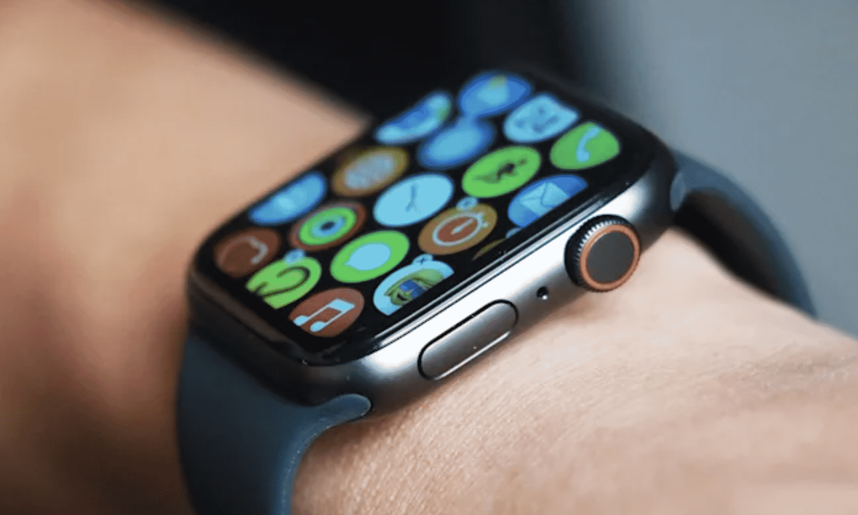 Apple Watch Series 7 will have a larger screen