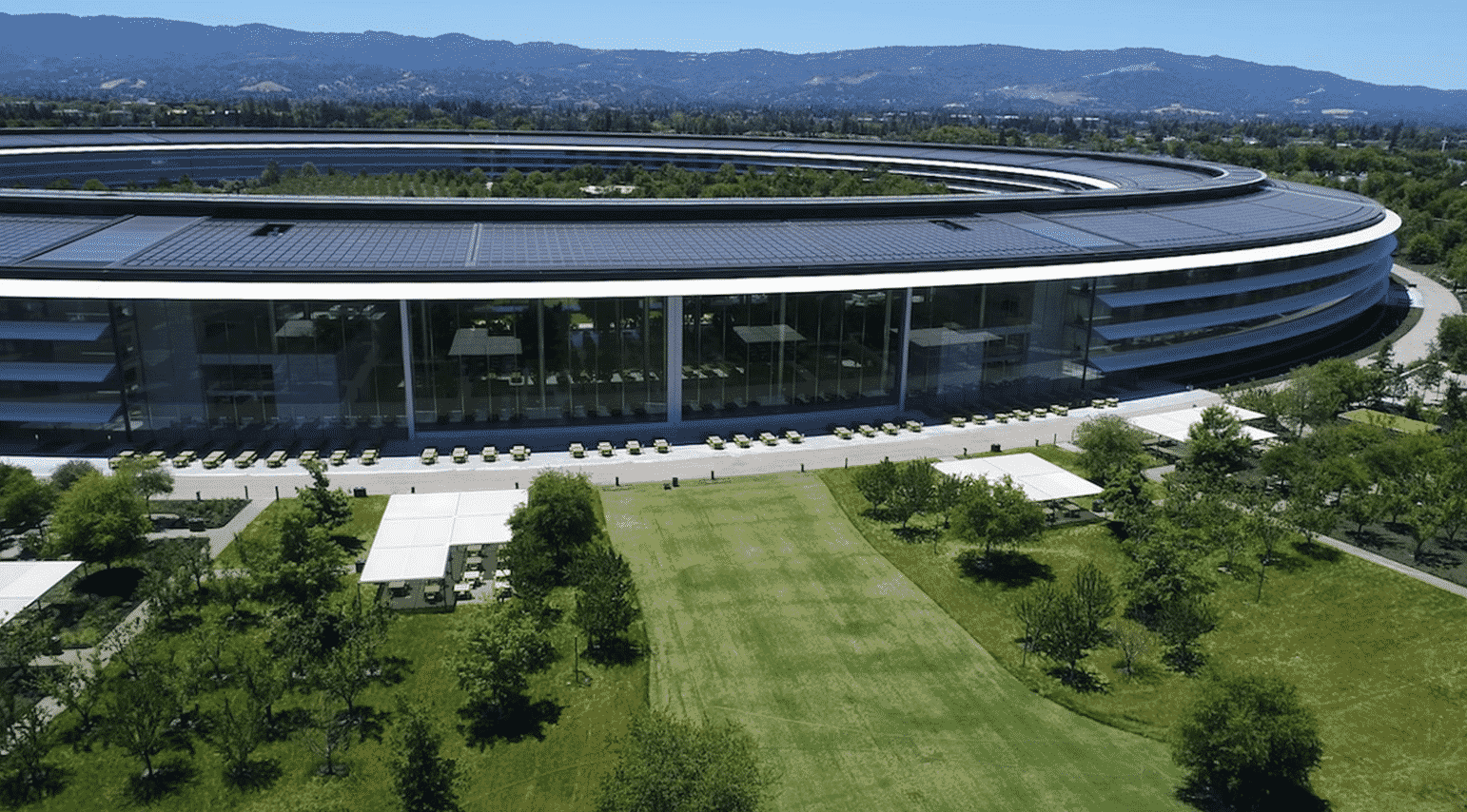 Apple gains two Ex-Mercedes engineers for its special projects group